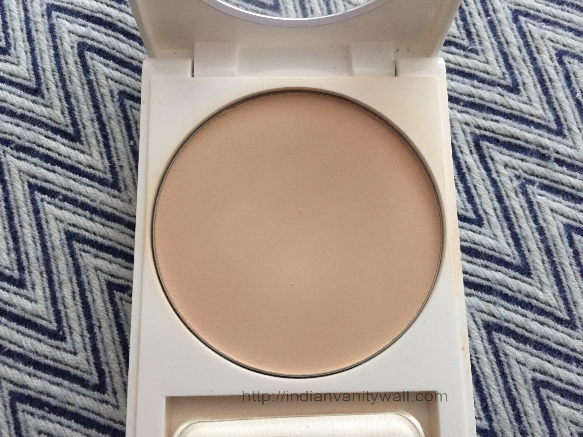 Revlon Nearly Naked Pressed Powder Medium Deep: Buy Revlon